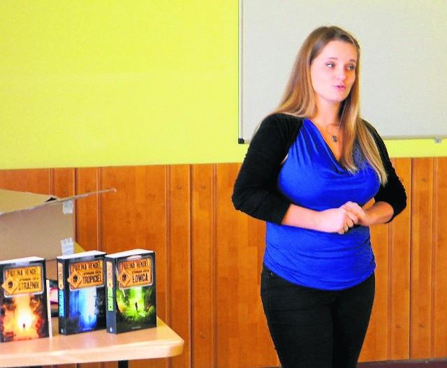 Paulina Henel opowiadała uczniom o swoich powieściach, o przesłaniach z nich płynących.