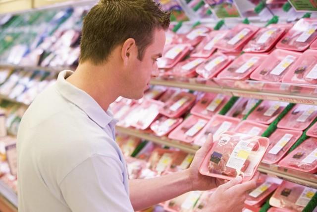 Według szacunkowych obliczeń, po wprowadzeniu podatku od mięsa spowodowałby wzrost cen wołowiny i cielęciny o około 47eurocentów za 100 g (ok. 20 zł za kilogram), wieprzowiny o 36 eurocentów za 100 g (ok. 15 zł za kilogram), drobiu o 17 eurocentów za 100 g (ok. 7 zł za kilogram), do 2030 r.