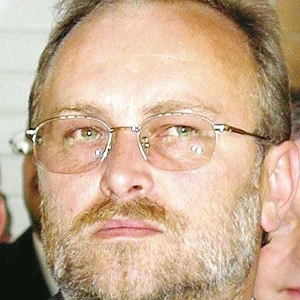 - Nie wiedzę w tym nic kontrowersyjnego. We wszystkich samorządach o tej porze roku przyznaje się nagrody - mówi Janusz Zubrzycki.