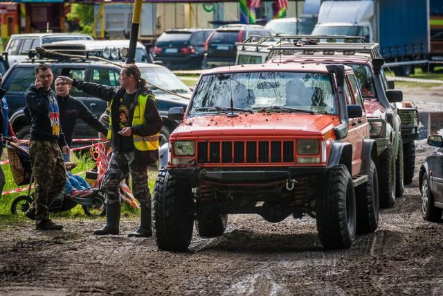 Wronki: Rajd samochodów terenowych