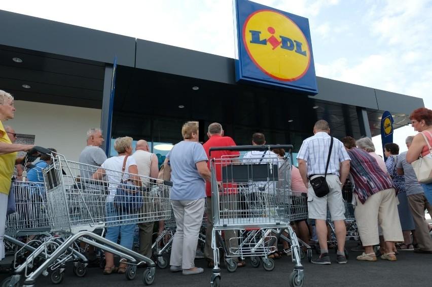 """Akcja """"Wielka wyprzedaż"""" w Lidlu rusza 12 czerwca (piątek) i 13 czerwca (sobota). W każdym z tych dni sklepy zaoferują różne towary w wyprzedaży."""