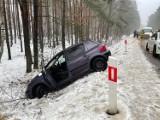 Wypadek czterech pojazdów koło Szamocina. Było bardzo ślisko. IMGW ostrzega przed oblodzeniami