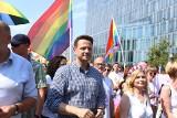 Parada Równości 2019 Warszawa [ZDJĘCIA] [WIDEO] Kolorowy marsz przeszedł 8.06 ulicami stolicy. Wziął w nim udział Rafał Trzaskowski
