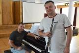 Michał Mogiła z recitalem w Filharmonii Zielonogórskiej, a z całą orkiestrą - w Łagowie [WIDEO]