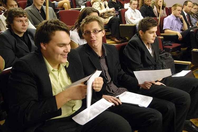 W III Liceum Ogólnoksztalcącym uczniowie wybierali poslów do...