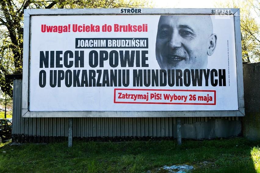 Szczecin Billboardami W Pis Uciekają Do Brukseli