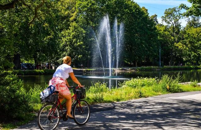 W Bydgoszczy rusza sezon na fontanny. Osiem miejskich wodotrysków, w tym dwa pływające na Starym Kanale Bydgoskim, mają zostać uruchomione od 1 maja.