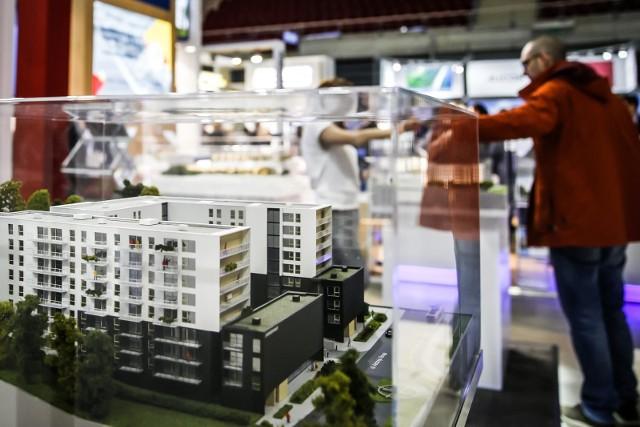 Bardzo wielu wynajmuj acych posiada zaledwie jedno mieszkanie na wynajem (często odziedziczone). Inwestycja w mieszkanie obejmująca np. 3 - 5 lokali wciąż stanowi w Polsce rzadkość.