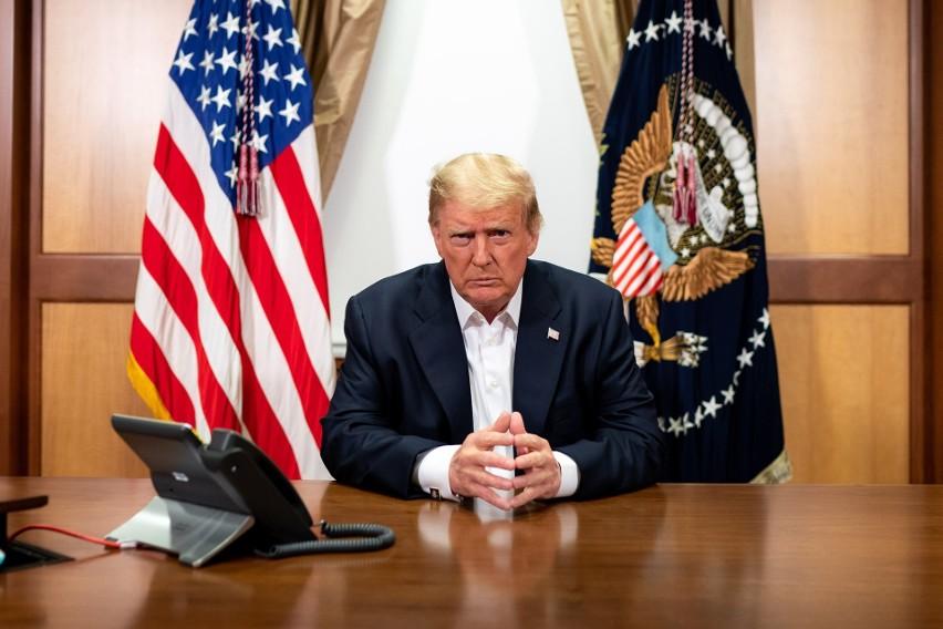 USA: Donald Trump, jedyny pacjent na kuli ziemskiej, który przeszedł potrójną terapię na koronawirusa