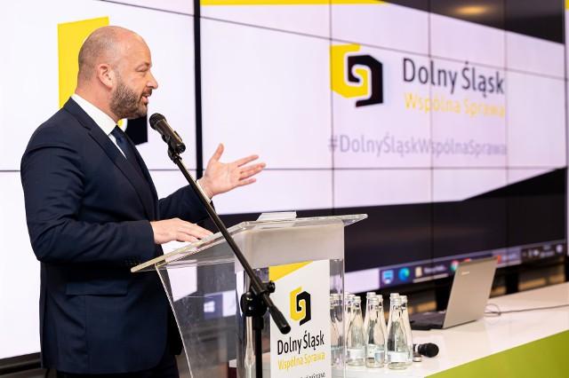 Jacek Sutryk na Stadionie Miejskim na którym powołano stowarzyszenie Dolny Śląsk - Wspólna Sprawa.
