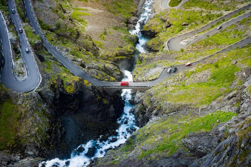 Najpiękniejsze trasy samochodowe w Europie, które musisz zobaczyć. 12 oszałamiających szlaków dla zmotoryzowanych
