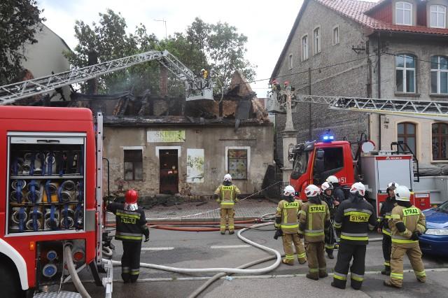 Do akcji gaśniczej na ul. Markiefki skierowano kilkanaście zastępów straży pożarnej