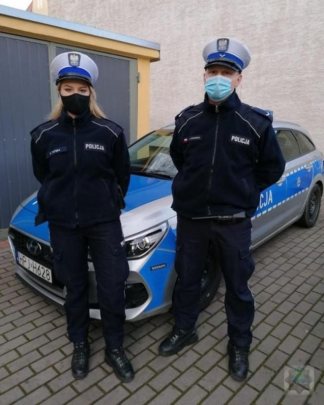 Szybkie i sprawne działanie sierż. Wojciecha Kuśmierka i post. Sandry Tetery uratowało życie 26-latka.