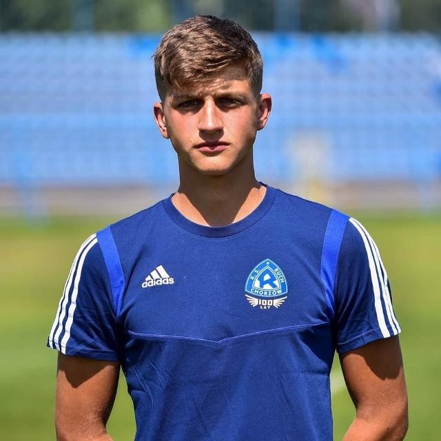 17-letni Tomasz Neugebauer kontrakt z Ruchem podpisał rok temu. Niedawno zadebiutował w pierwszej drużynie.
