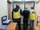 Łódź. Pościg policjanta po służbie za Gruzinem. Włamał się do samochodu zrabował reklamówkę. Było w niej prawie milion złotych!