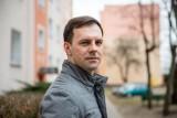 """Dr Konrad Szamryk o słownictwie koronasceptyków: """"Język to narzędzie dominacji"""""""