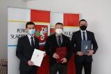 Powiat sławieński: Od marca będą nowe połączenia autobusowe, podpisano porozumienie