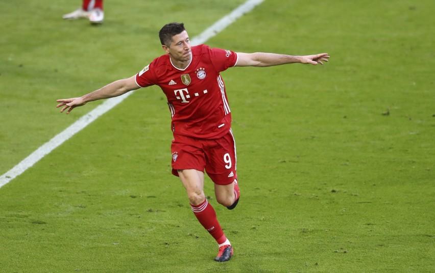 Jako piłkarz Borussii Dortmund wystąpił w 33 meczach....