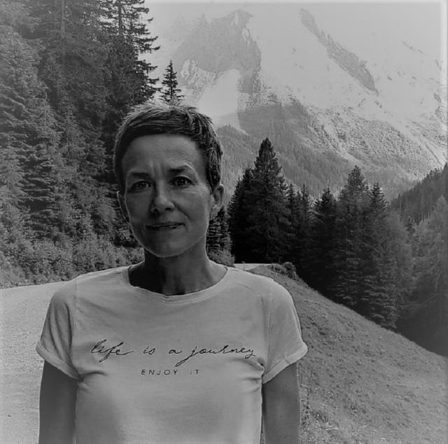 W nocy z 16 na 17 grudnia 2020 r. zmarła dr Alicja Szmaus-Jackowska, także wieloletnia pracownica bydgoskiej uczelni.[/b] Miała 45 lat. Walczyła z glejakiem mózgu, a w tej walce wspierali ja nie tylko bliscy i przyjaciele, ale wielu bydgoszczan, którzy włączali się z zbiórkę pieniędzy na leczenie.