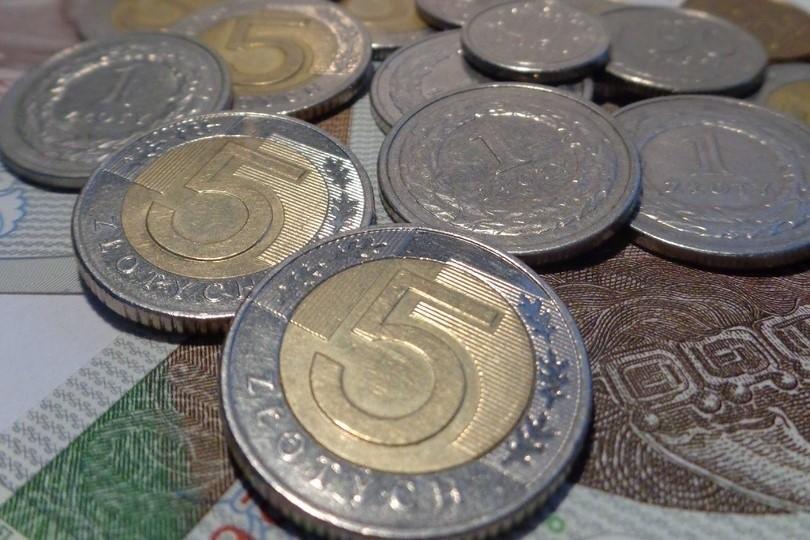 Koronawirus pokrzyżował plany rządu związane z płacą...