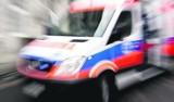Wypadek w Dąbrowie Górniczej. Opel zderzył się z traktorem w Strzemieszycach. Kierowca osobówki trafił do szpitala