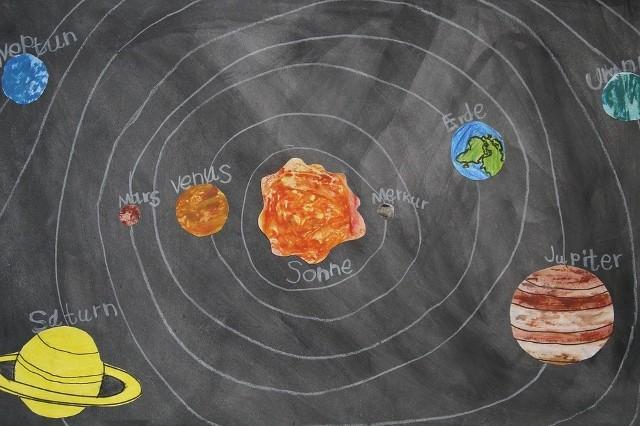Merkury na tle słońca - tranzycja Merkurego - Merkury Słońce 2016 - Merkury zasłoni Słońce już dziś. Tranzycja Merkurego 9 05 2016
