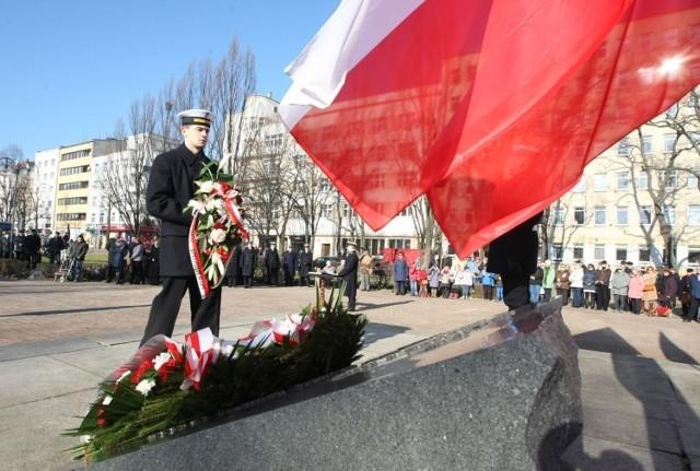 Tradycyjne złożenie kwiatów odbędzie się przy Pomniku Polski Morskiej.