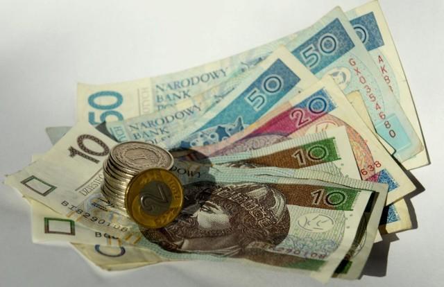2080 zł lub 1300 wynosi świadczenie postojowe.