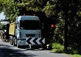 Ruszył remont odcinka drogi powiatowej w Olkuszu. Mieszkańcy nie są zadowoleni z takiego rozwiązania [ZDJĘCIA]
