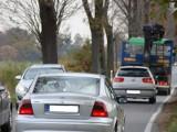 Niebezpieczna droga w Osieku zostanie poszerzona [WIDEO]