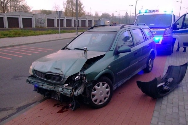 Do kolizji doszło na skrzyżowaniu ulic Braci Prankel, Bursztynowej i Gogolińskiej.