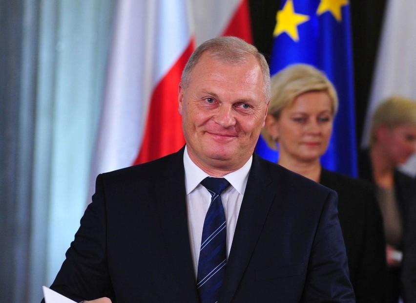 17. Poseł Lech Kołakowski z PiS może się pochwalić zaledwie...
