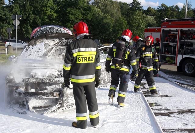 Pożar samochodu przy Atlas Arenie w Łodzi