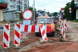 Budowa ulicy Powstańców w Suchedniowie - trudno będzie dotrzymać terminu (ZDJĘCIA)