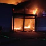 Białystok. Pożar na terenie Centrum Park. Pawilon miał być opuszczony. W zgliszczach strażacy znaleźli jednak zwęglone ciało
