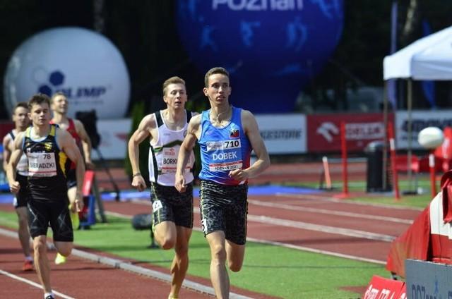 Mateusz Borkowski zdobył srebrny medal w biegu na 800 metrów.