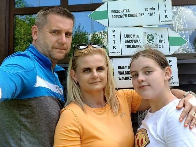 Burmistrz Chmielnika, Paweł Wójcik wybrał się z żoną Justyną oraz córką Ewą na kila dni do Karpacza.