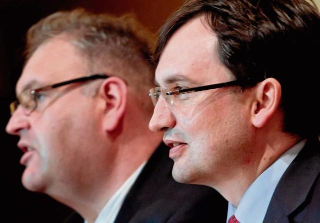 Prok. Święczkowski (po lewej) to zaufany człowiek Zbigniewa Ziobry
