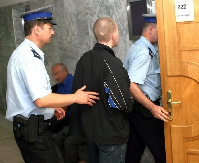 21-letni Mateusz W. z Nowej Dęby po wyjściu z zakładu karnego będzie nadal leczony.