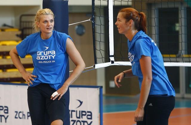 Siatkarki Chemika Police przygotowują się do sezonu. Z lewej Małgorzata Glinka-Mogentale, obok Katarzyna Gajgał-Anioł.