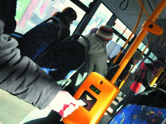 Od 1 stycznia 2014 r. pasażerowie zapłacą mniej m.in. za bilet jednorazowy.