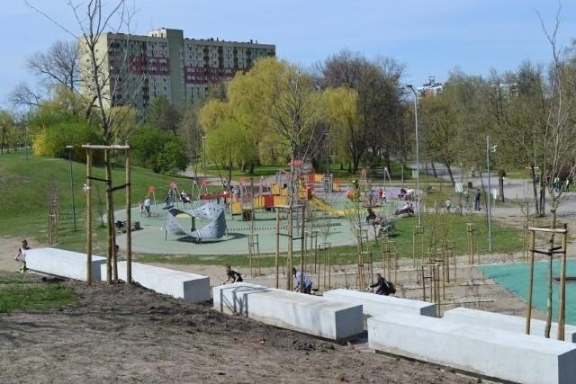 Park Hallera w Dąbrowy Górniczej to mała oaza zieleni w środku miasta. Jak ma się zmienić na lepsze?Zobacz kolejne zdjęcia/plansze. Przesuwaj zdjęcia w prawo - naciśnij strzałkę lub przycisk NASTĘPNE