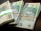 Oszustwo na zagraniczną paczkę. Kobieta straciła kilkanaście tysięcy złotych, uwaga na oszustów!