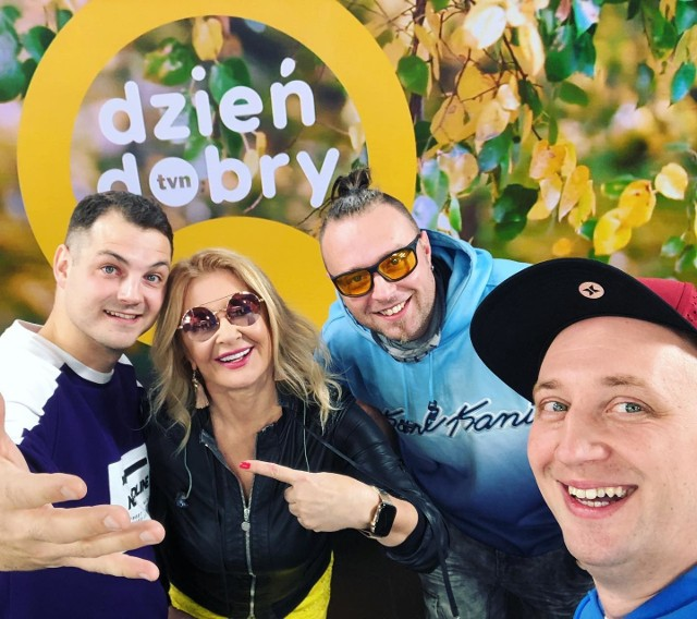 ze studia telewizji TVN od lewej: Maciej Piotrowski, Majka Jeżowska, Łukasz Stępniewicz i Dawid Antonkiewicz.