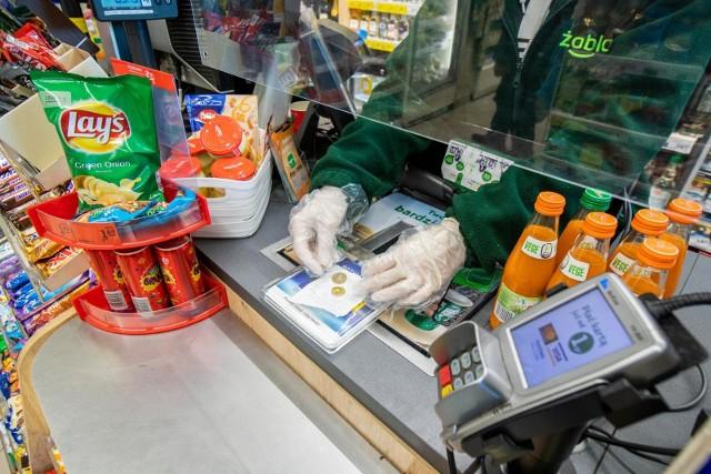 Jakie produkty można kupić obecnie taniej w Żabce? Zobacz w dalszej części galerii >>>