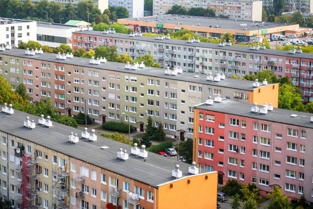 instytucjonalna sprzedaż mieszkań w Polsce jest głównie domeną gmin oraz spółdzielni mieszkaniowych.