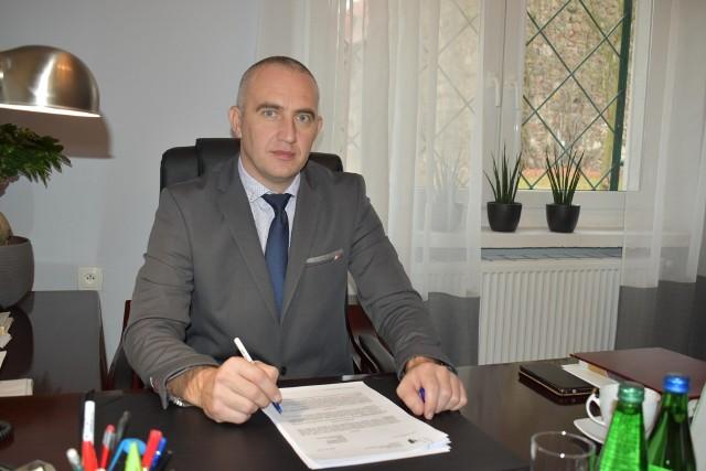 Wójt gminy Dąbie, Marcin Reczuch.