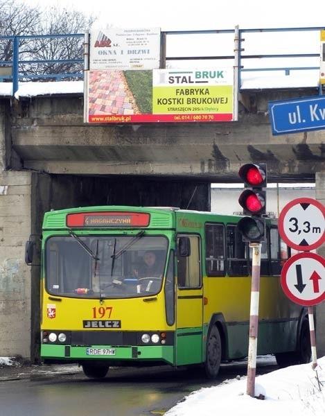 W przyszłym roku najstarsze autobusy komunikacji miejskiej zostaną zastąpione przez nowoczesne niskopodłogowe pojazdy.