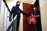 Jak Bydgoszcz wesprze seniorów w walce z koronawirusem? Czy wolontariusze zrobią im zakupy?