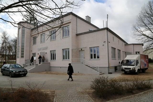 Wczoraj po remoncie otwarto Dom Ludowy w Supraślu. Są tu m.in. scena letnia i estrada